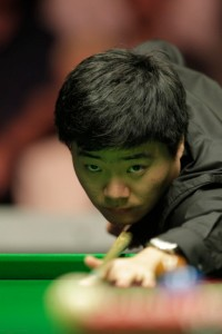 Ding Junhui started his Welsh Open title defence with victory over Dechawat Poomjaeng.