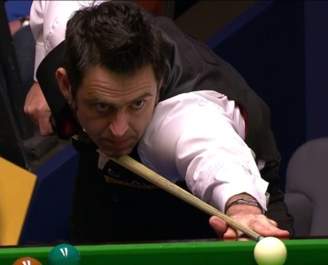 Ronnie O'Sullivan is through to the quarter-finals of the World Championship.