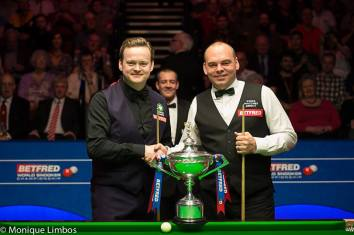 Shaun Murphy and Stuart Bingham. Picture by Monique Limbos